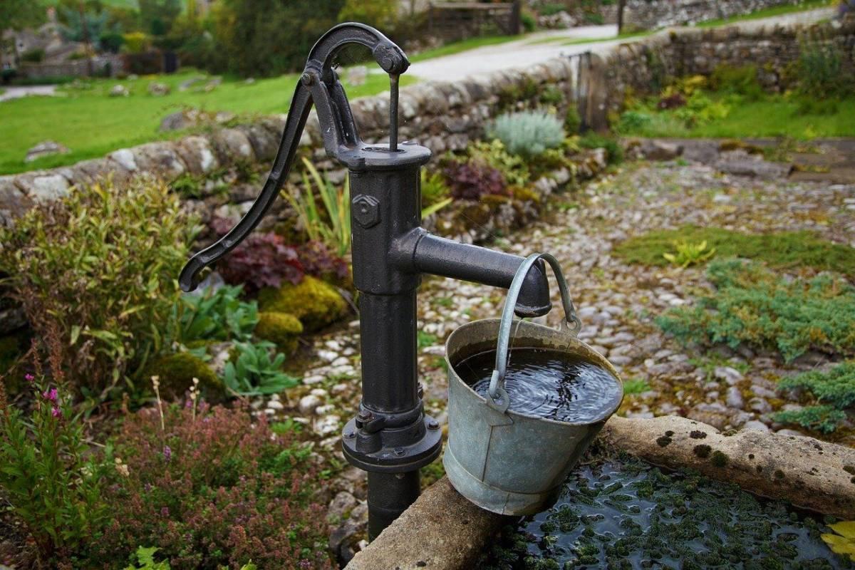 Вода из скважины пахнет болотом